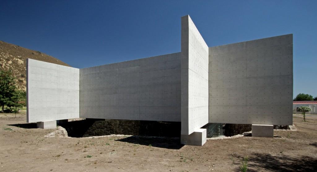 Auco Chapel by Undurraga Deves Arquitectos