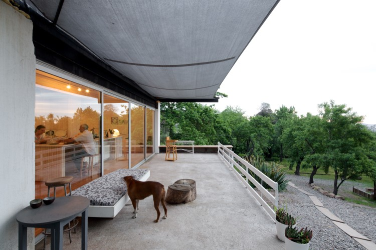 LG House by Antonio Lipthay (3)