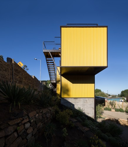 Yellow House in Zapallar, by Aguiló+Pedraza Arquitectos (3)