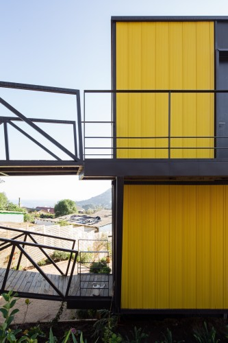 Yellow House in Zapallar, by Aguiló+Pedraza Arquitectos (15)
