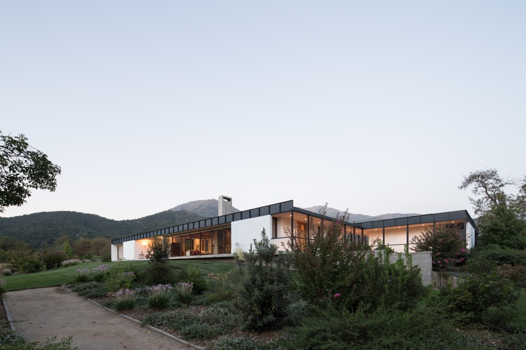 House in Pilay by Duval+Vives Arquitectos (10)