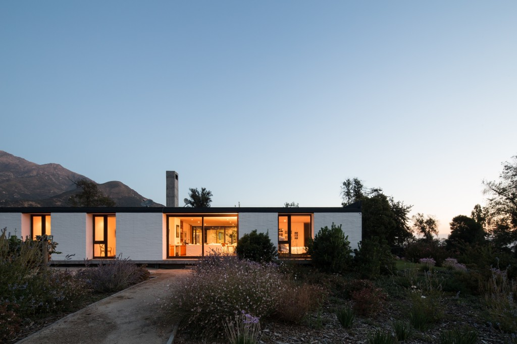 House in Pilay by Duval+Vives Arquitectos (8)