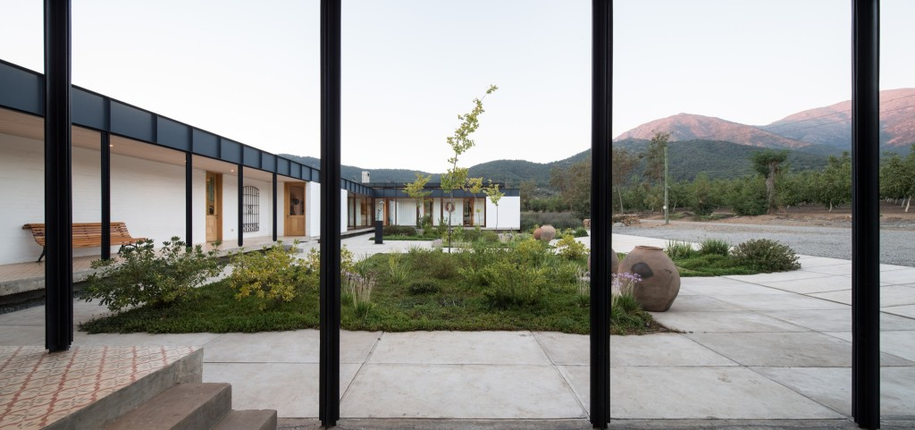 House in Pilay by Duval+Vives Arquitectos (15)