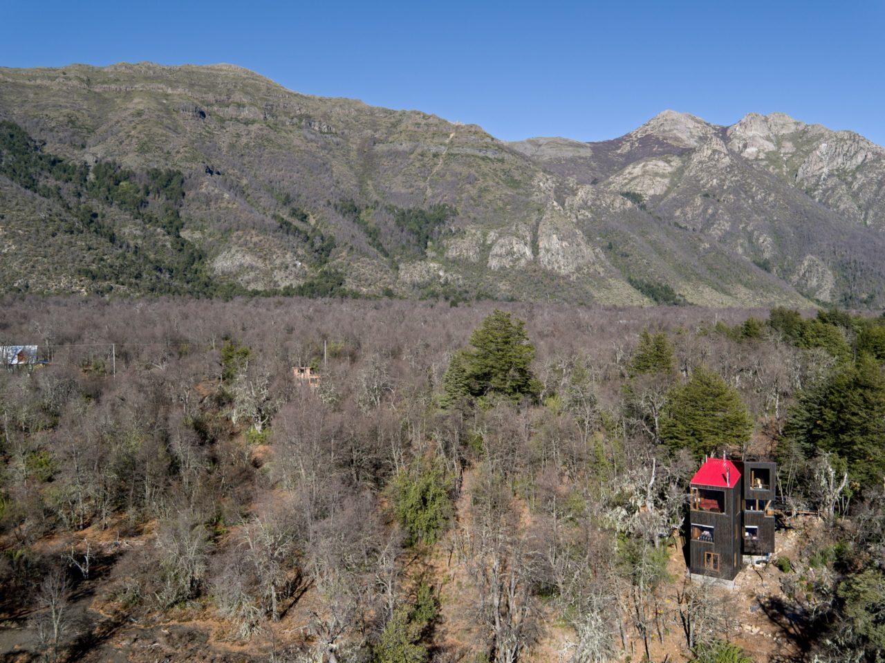 La Dacha Mountain Retreat by DRAA