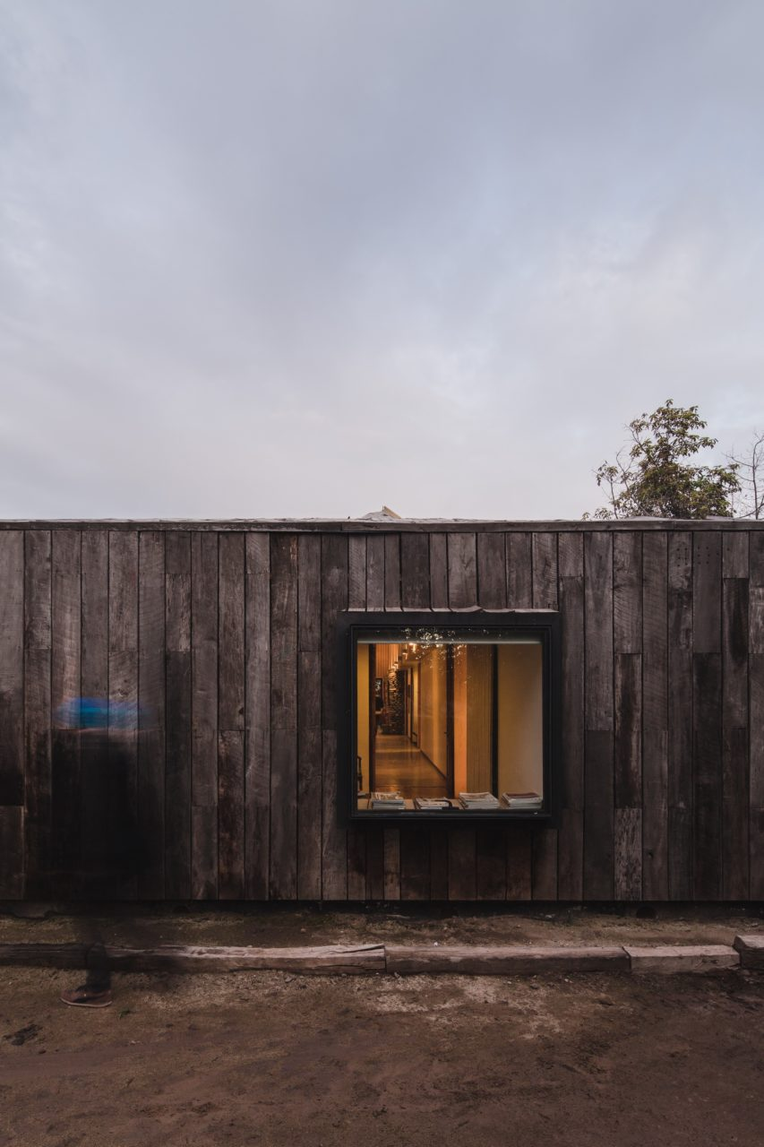 House in Buin by Alberto Moletto