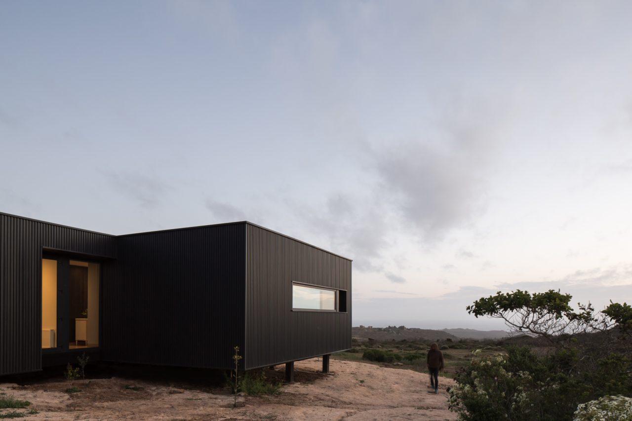 WV House by Cristian Romero Valente