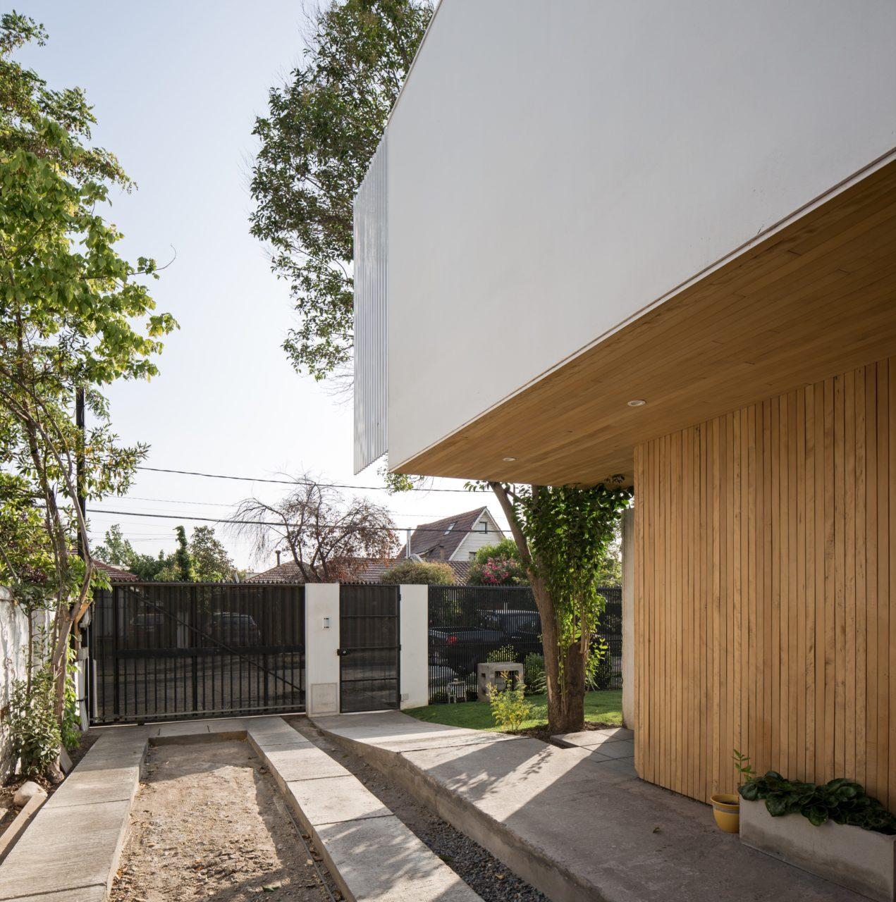 Rey Cristian House by GITC