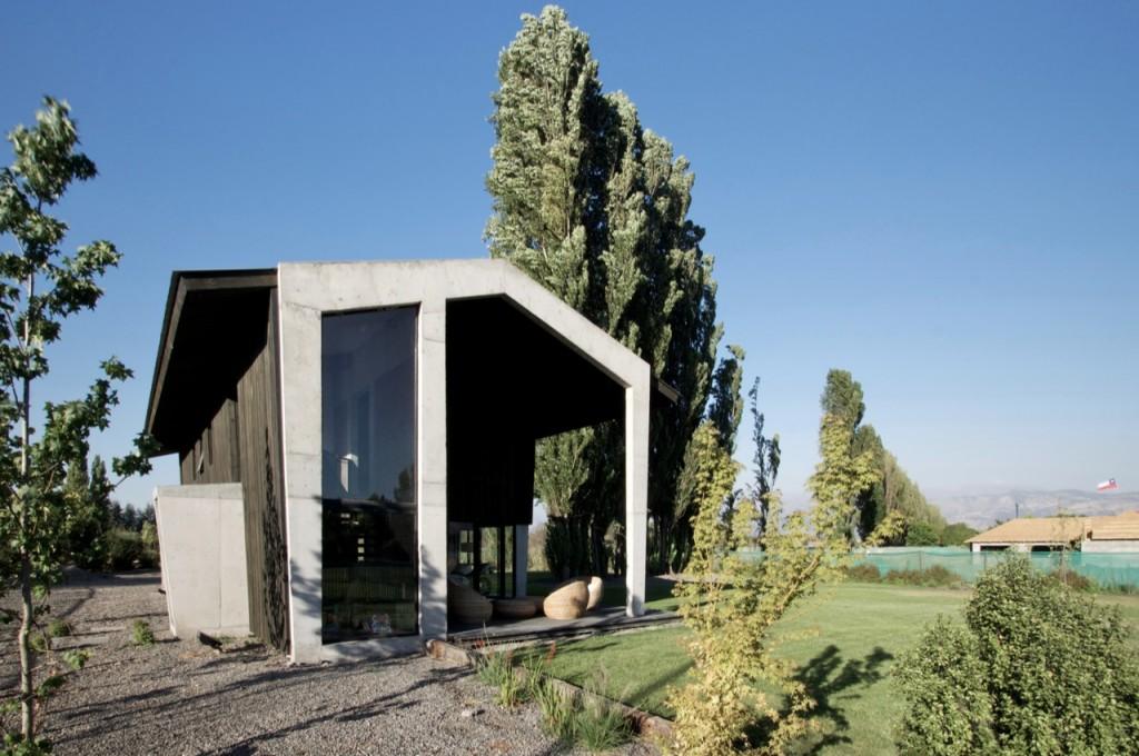 House in Colina by Felipe del Rio & Federico Campino