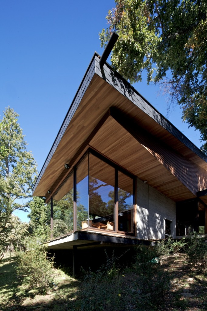 Kullenthal House by MOBIL Arquitectos