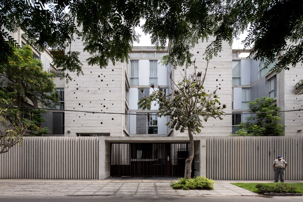 Building in Chacarilla by Barclay & Crousse (27)
