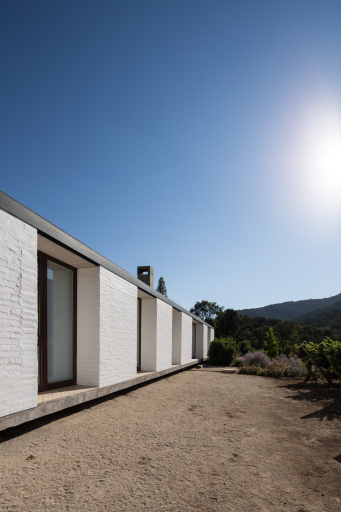 House in Pilay by Duval+Vives Arquitectos (27)