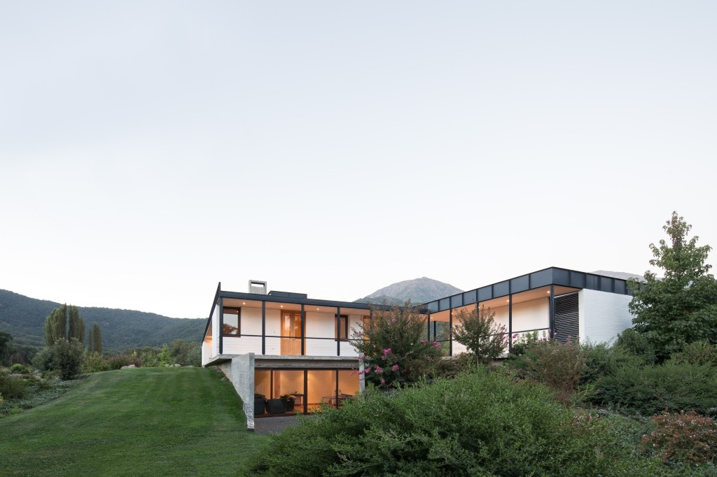 House in Pilay by Duval+Vives Arquitectos (11)