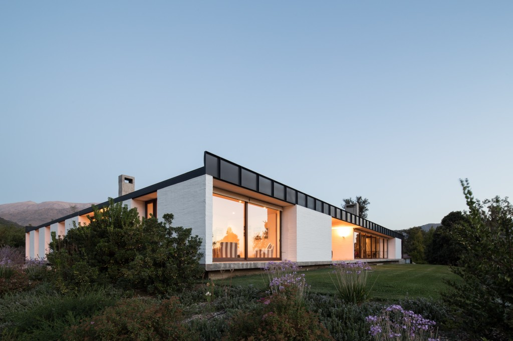 House in Pilay by Duval+Vives Arquitectos (9)