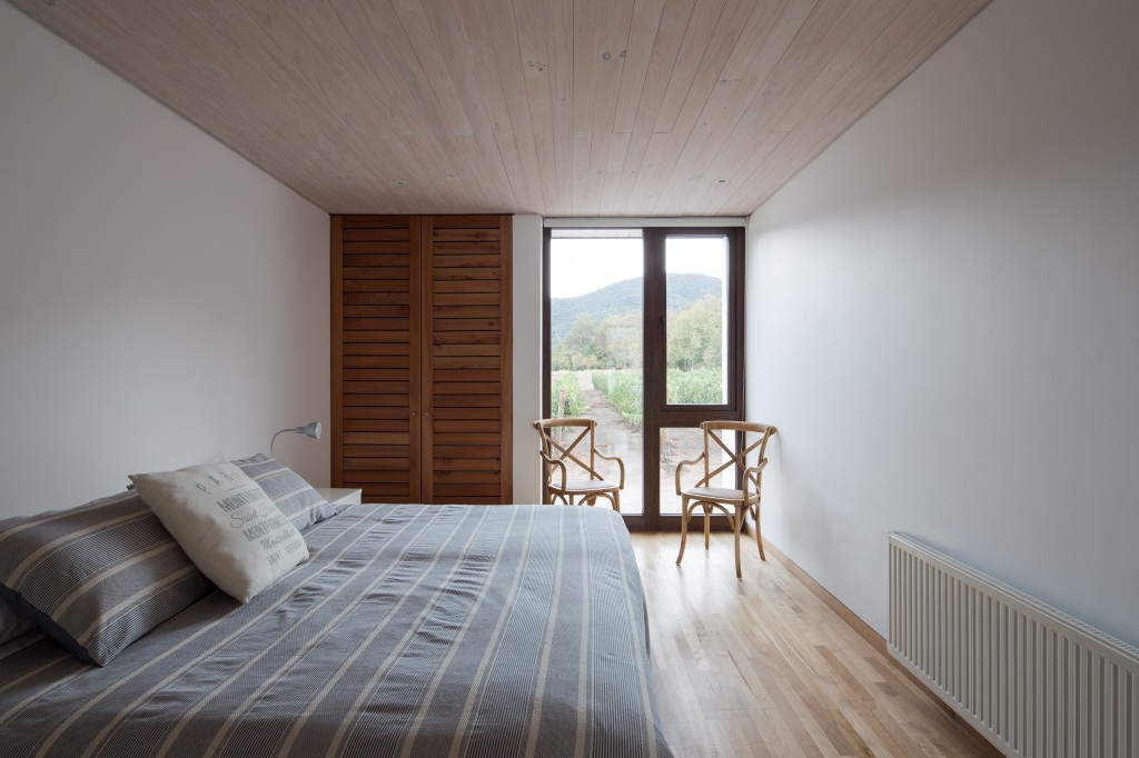 House in Pilay by Duval+Vives Arquitectos (6)