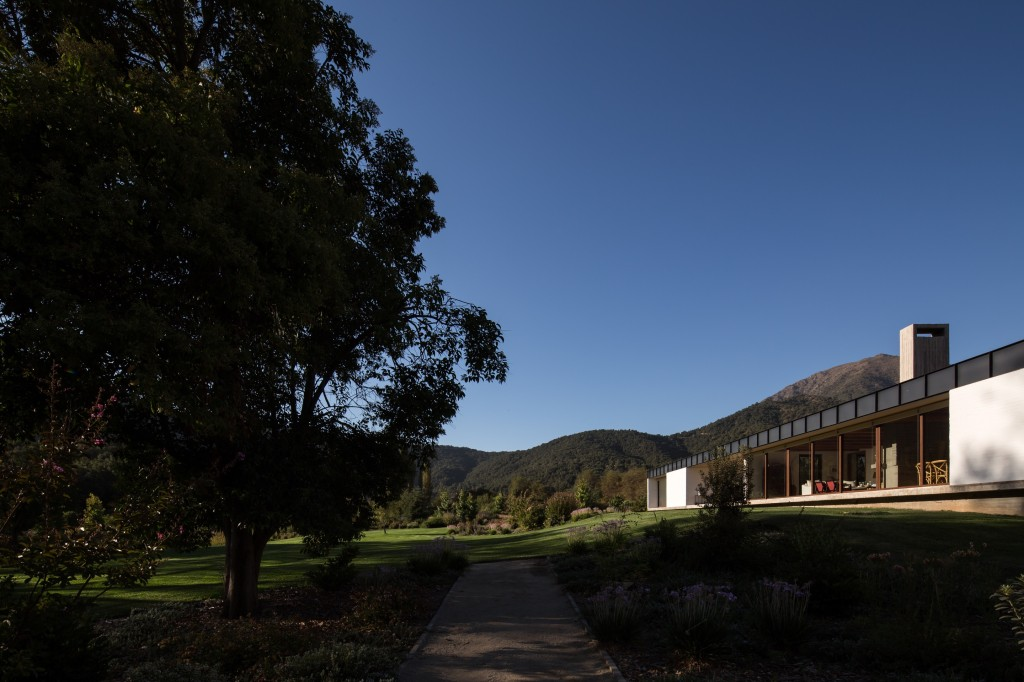 House in Pilay by Duval+Vives Arquitectos (14)