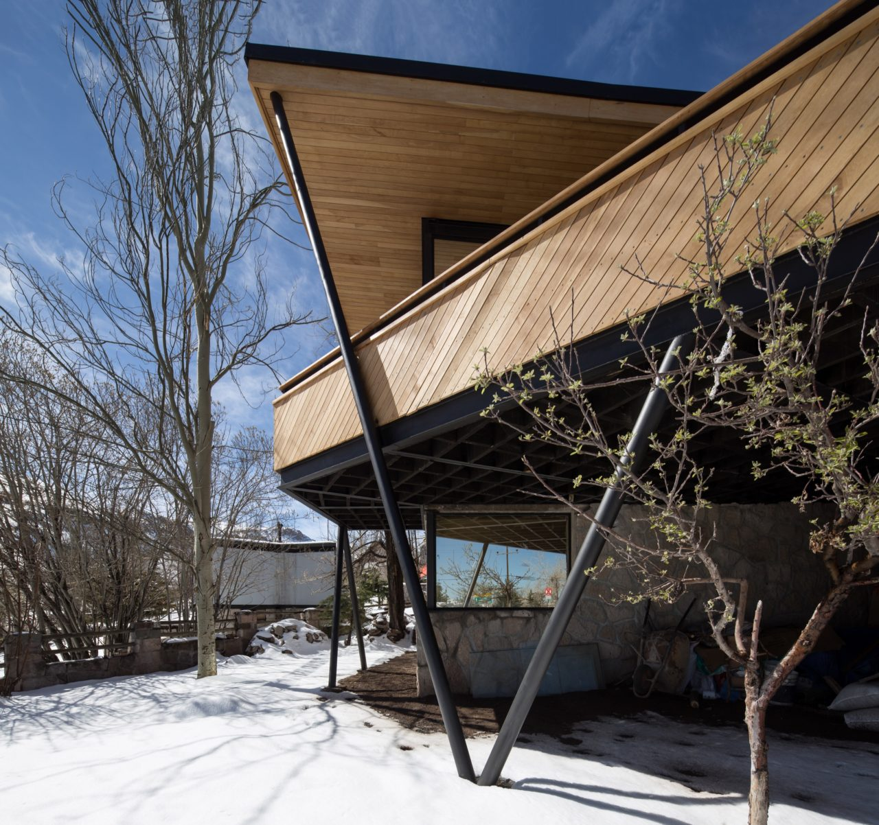 House in Farellones by Duque Motta & AA