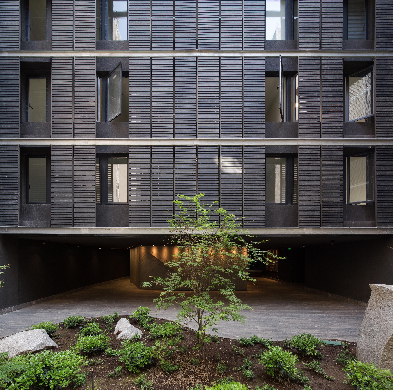 Willie Arthur Building by Searle Puga Arquitectos