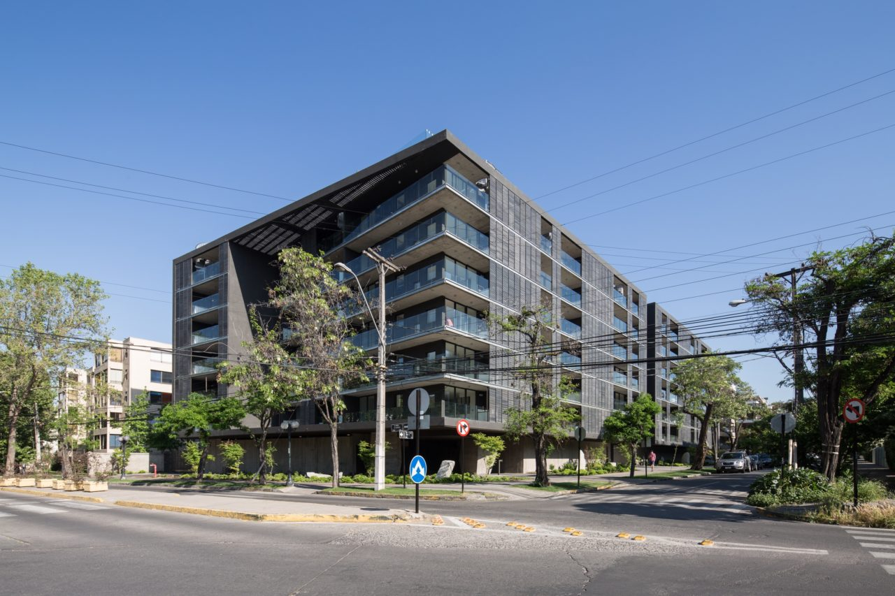 Willie Arthur Building by Searle Puga Arquitectos