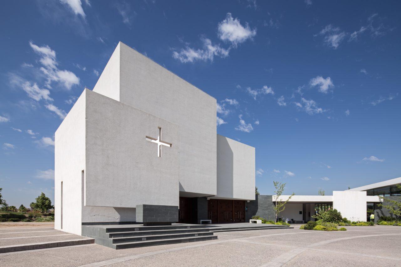 Parque del Recuerdo Church by Fuenzalida Swinburn