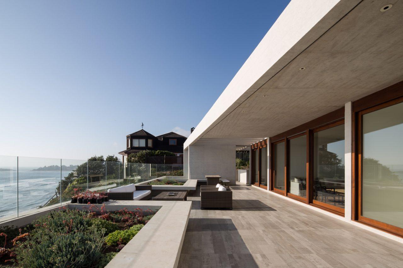 RT House by Gonzalo Mardones Viviani