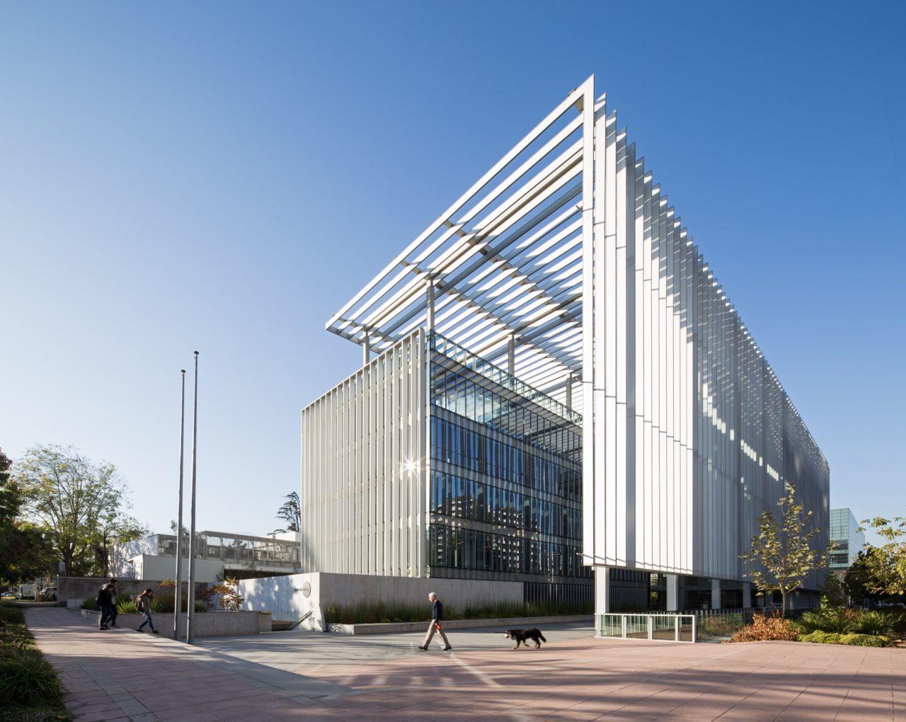 MGV Building by +arquitectos & Gubbins Arquitectos