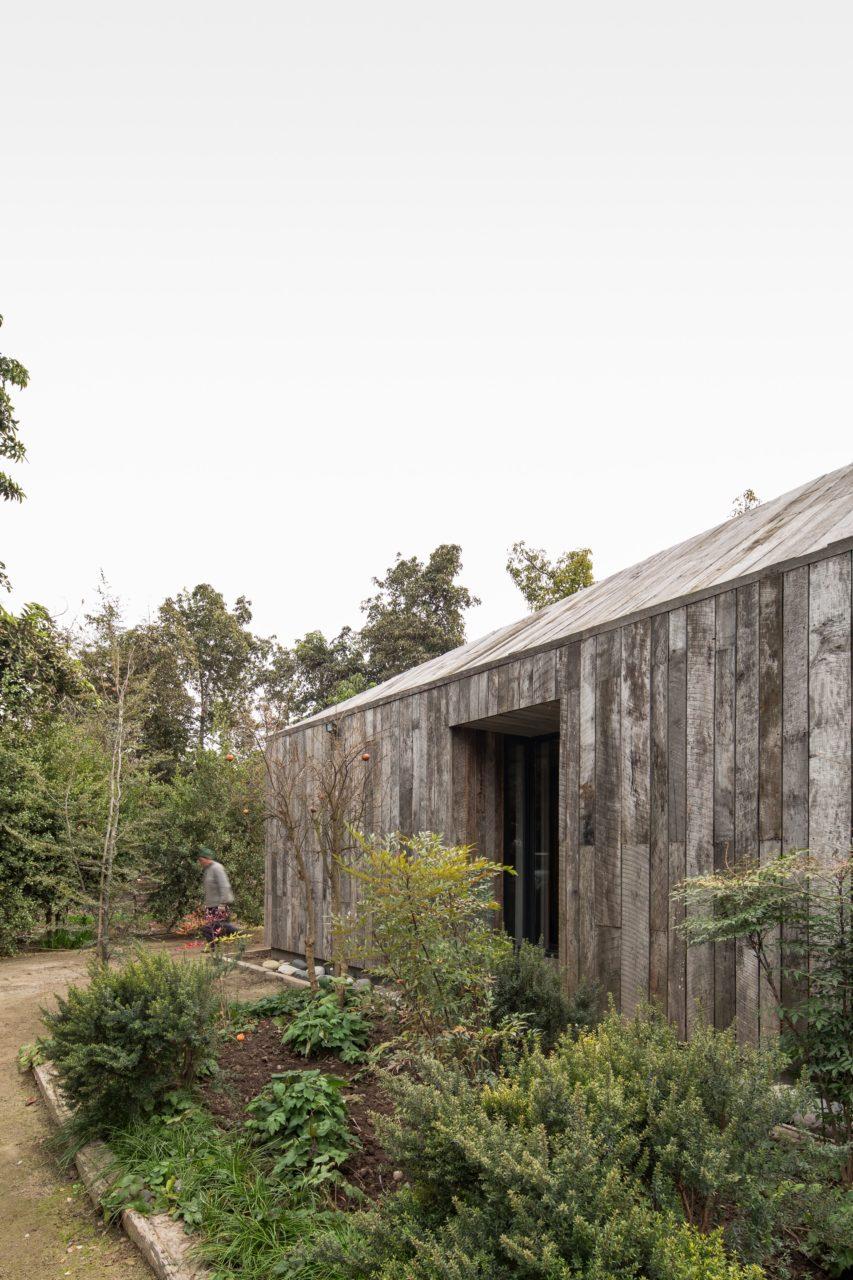 House in Buin by Alberto Moletto