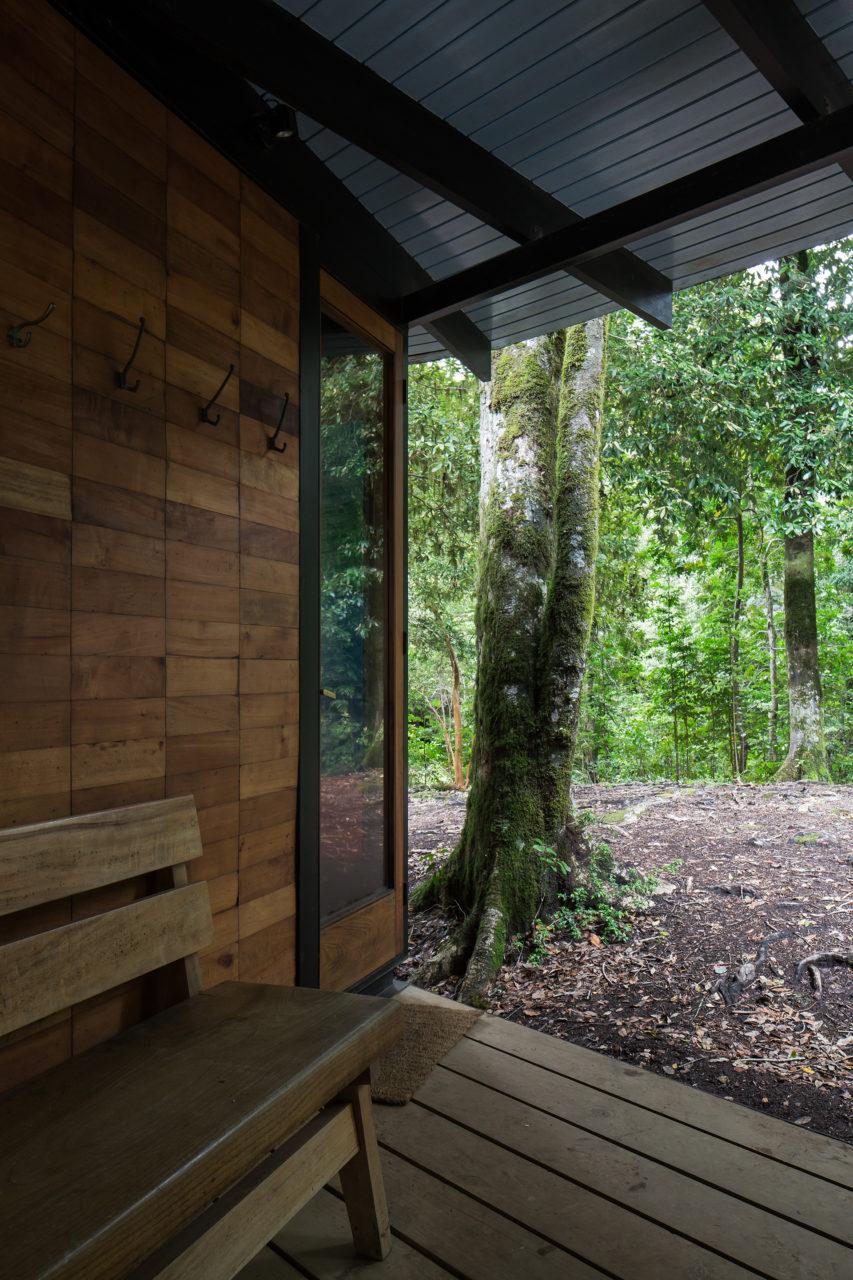 Refugio de Materiales Reciclados / Juan Luis Martínez Nahuel